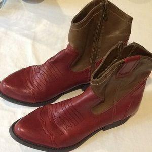 Ladies Mia SZ 7.5 Short Zip Cowboy Boots Red & Tan